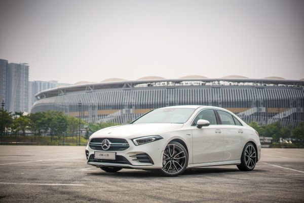 Mercedes-AMG A 35 4MATIC Sedan - Ext (14) - Cars