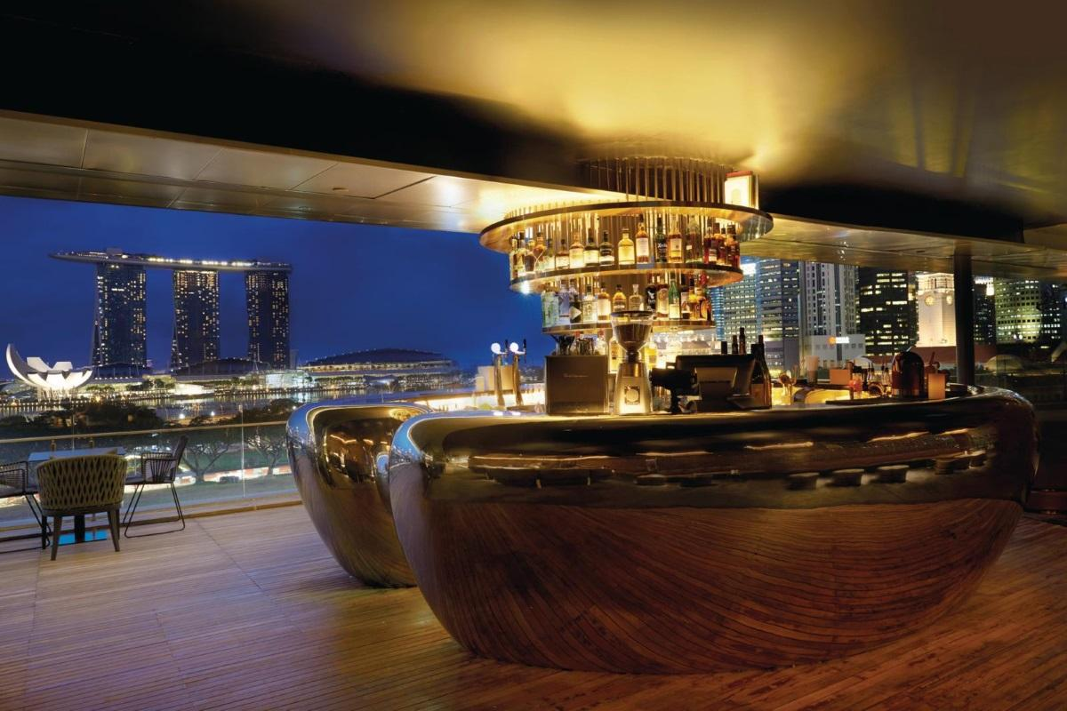 smoke-and-mirrors-bar-singapore - rooftop bars