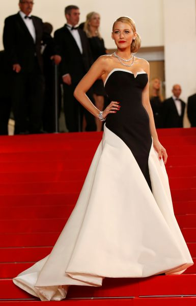 Blake Lively Cannes AFP - red
