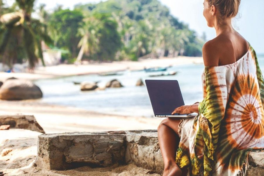 Is it Worth Ditching Your 9 to 5 to Be a Digital Nomad?