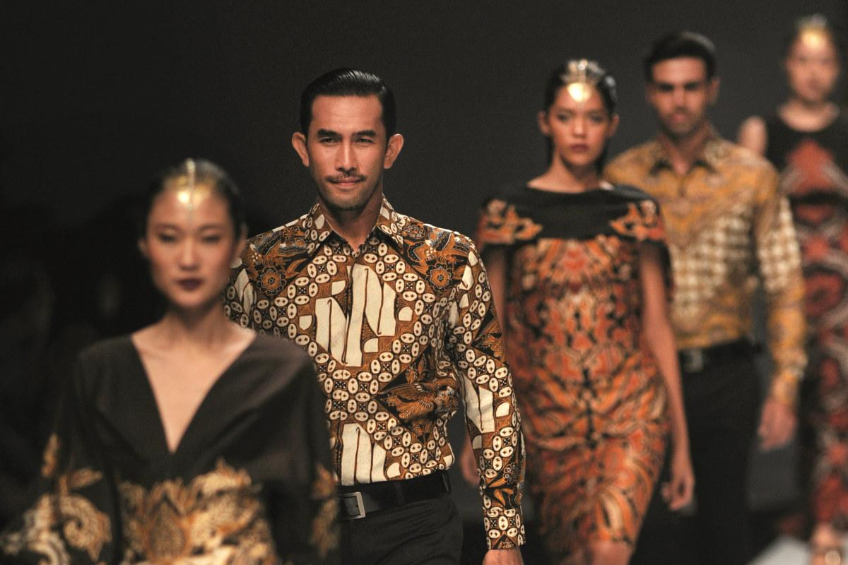 Modernising the Living Heritage of Indonesian Batik