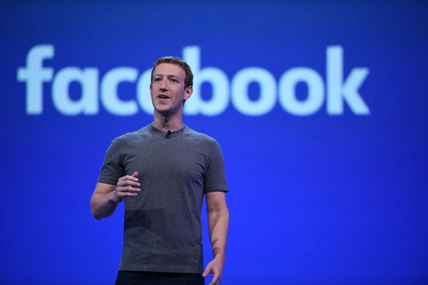 "Why Mark Zuckerberg's ""Relationship Status"" with Facebook Should Change"