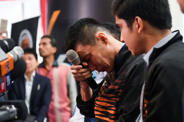 Badminton Star Lee Chong Wei Tearfully Bows Out