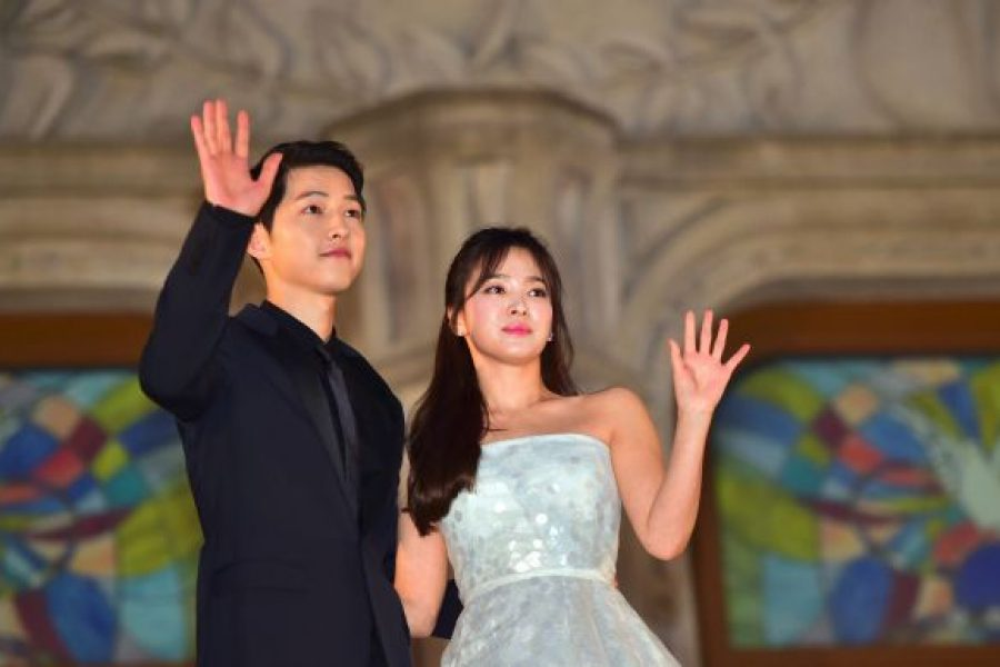 """Descendants of the Sun"" Stars Shake K-Entertainment World with Divorce News"