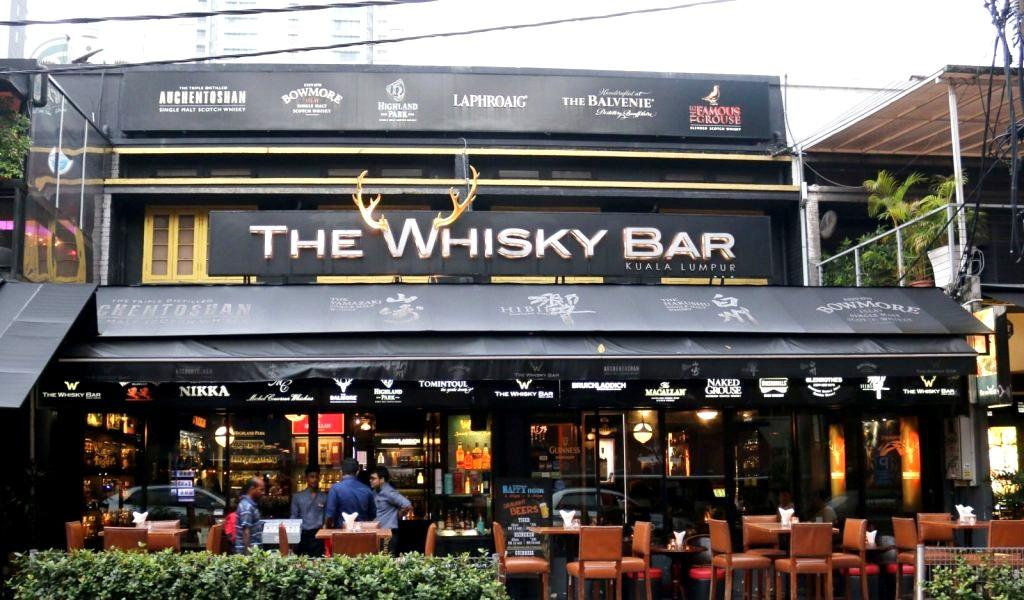4 Perfectly Chilled Places to Pair Whisky and Food in KL
